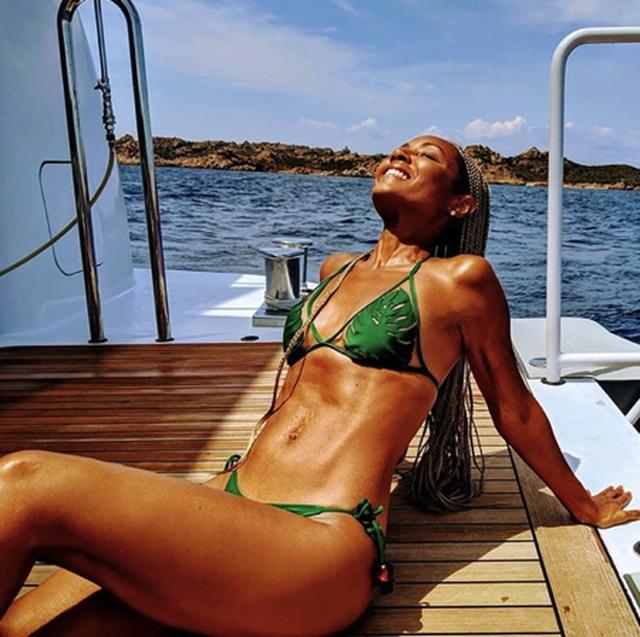 Sao và những màn diện đồ bơi nóng bỏng nhất mùa hè này - 11