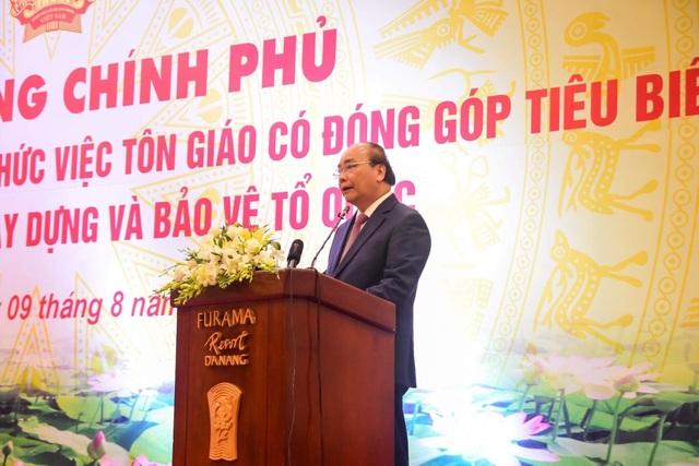 Thủ tướng Nguyễn Xuân Phúc gặp mặt các chức sắc tôn giáo tiêu biểu