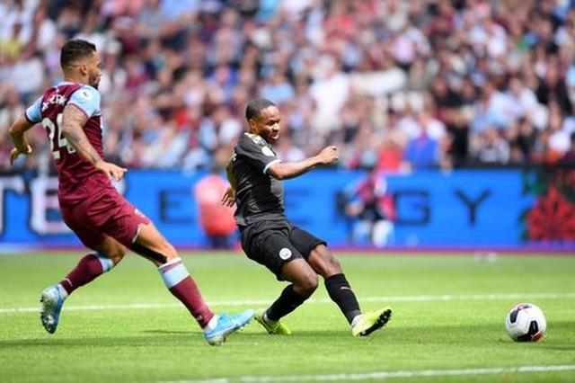 West Ham 0-5 Man City: Hat-trick của Sterling và dấu ấn của VAR - 12