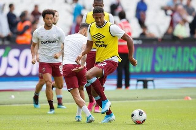 West Ham 0-5 Man City: Hat-trick của Sterling và dấu ấn của VAR - 6