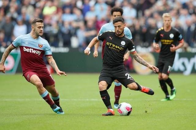 West Ham 0-5 Man City: Hat-trick của Sterling và dấu ấn của VAR - 9