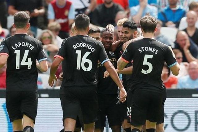 West Ham 0-5 Man City: Hat-trick của Sterling và dấu ấn của VAR - 13