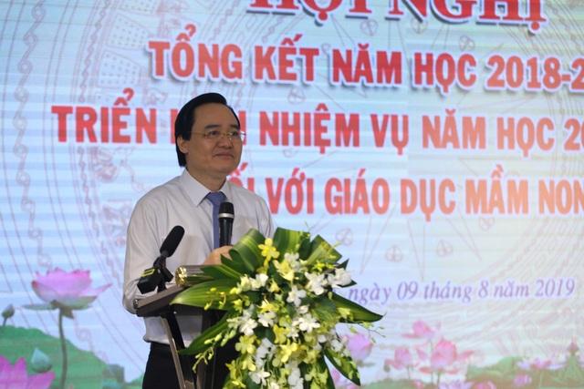"""Bộ trưởng Phùng Xuân Nhạ: """"Chưa yên tâm về việc ngăn chặn bạo hành đối với trẻ mầm non"""" - 1"""