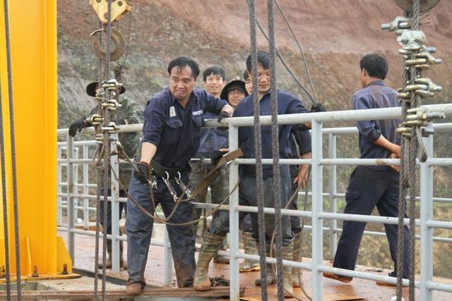 Mở được van xả tràn, đập thủy điện thoát nguy cơ vỡ - 1