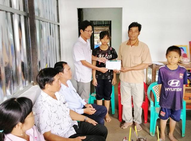 Cha con chân sắt được bạn đọc Dân trí xây tặng Ngôi nhà Nhân ái - 2
