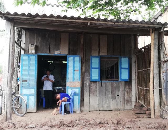 Cha con chân sắt được bạn đọc Dân trí xây tặng Ngôi nhà Nhân ái - 3