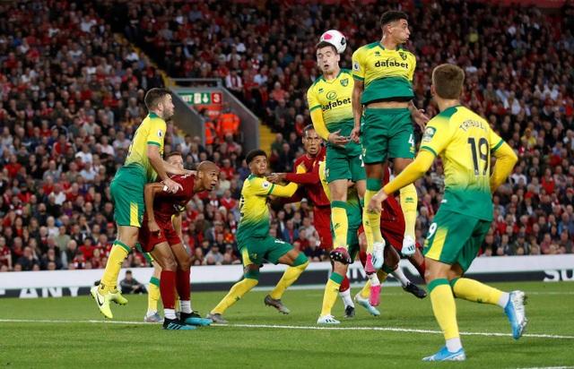 Những khoảnh khắc thăng hoa của Liverpool trước Norwich - 10