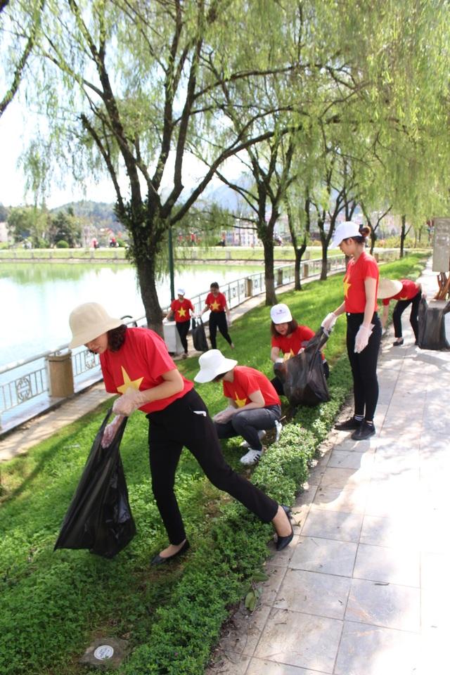 Nhân viên khách sạn Mường Thanh cùng tham gia chiến dịch làm sạch môi trường - 8