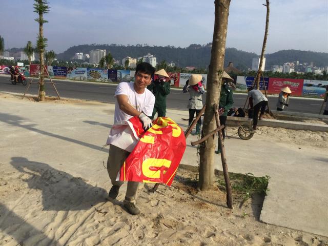 Nhân viên khách sạn Mường Thanh cùng tham gia chiến dịch làm sạch môi trường - 10