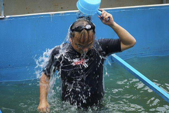 Chuyên gia Nhật Bản tắm sông Tô Lịch gửi lời cảm ơn Thủ tướng - 1