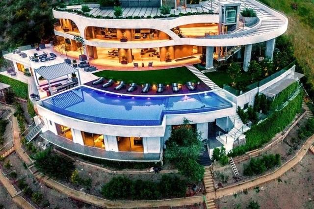 Ngắm kiến trúc siêu độc đáo của biệt thự trị giá 42 triệu USD ở Los Angeles - 1