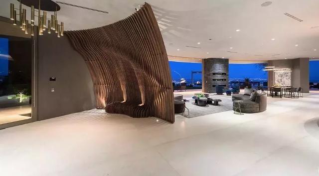 Ngắm kiến trúc siêu độc đáo của biệt thự trị giá 42 triệu USD ở Los Angeles - 8