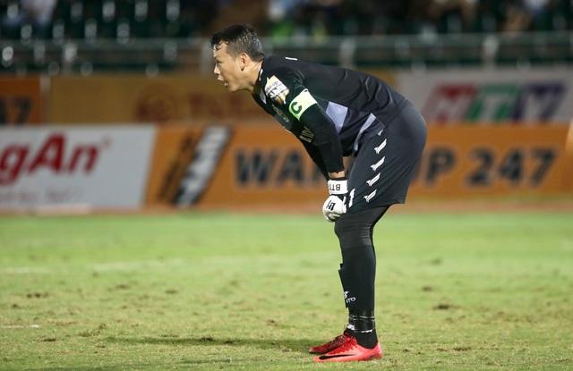 HLV Sài Gòn FC nói gì về bàn thắng bị trọng tài khước từ? - 2