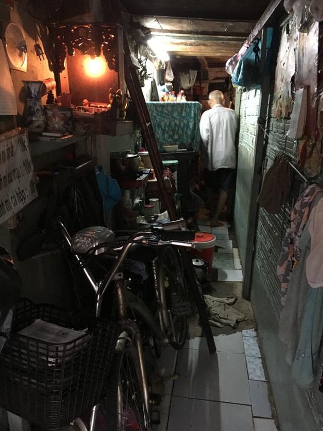 Cảnh khó tin trong căn nhà 7,5 m2, cao 2,5 tầng ở Sài Gòn - 2