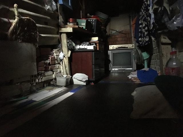Cảnh khó tin trong căn nhà 7,5 m2, cao 2,5 tầng ở Sài Gòn - 4