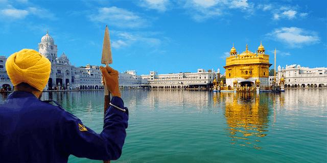 """""""Lóa mắt"""" ngôi đền bằng vàng bên hồ nước thiêng, phục vụ 100.000 suất ăn miễn phí mỗi ngày - 3"""