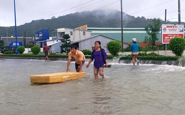 Nhìn lại 10 ngày đảo ngọc Phú Quốc quay cuồng trong trận lũ lụt chưa từng có - 5