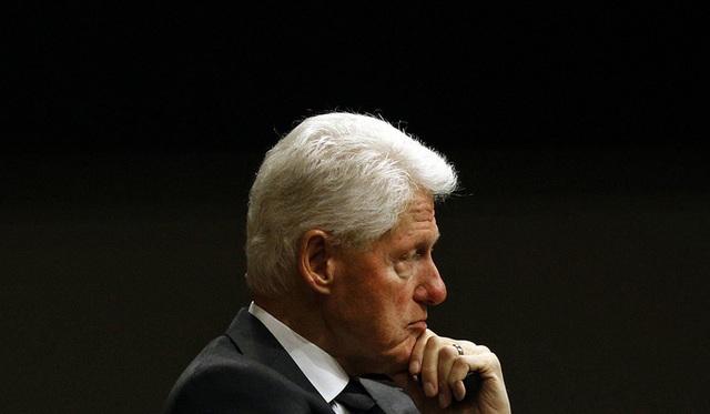 Ông Trump nghi ông Clinton đứng sau vụ tỉ phú ấu dâm tự tử? - 1