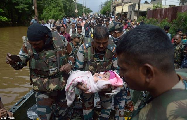 Lũ kinh hoàng khiến 152 người thiệt mạng ở Ấn Độ - 1