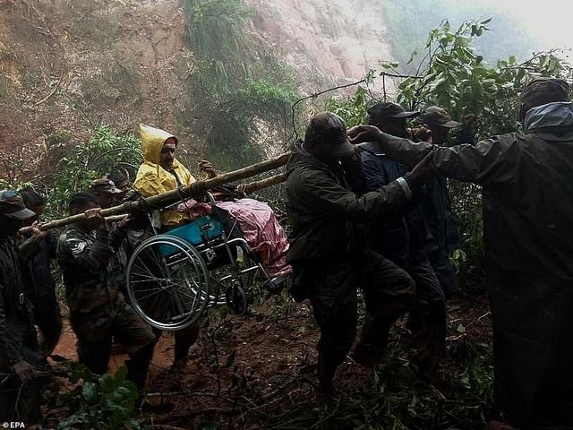 Lũ kinh hoàng khiến 152 người thiệt mạng ở Ấn Độ - 9