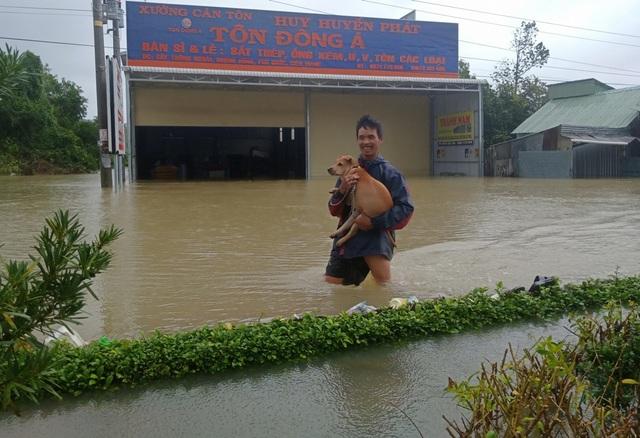 Nhìn lại 10 ngày đảo ngọc Phú Quốc quay cuồng trong trận lũ lụt chưa từng có - 4