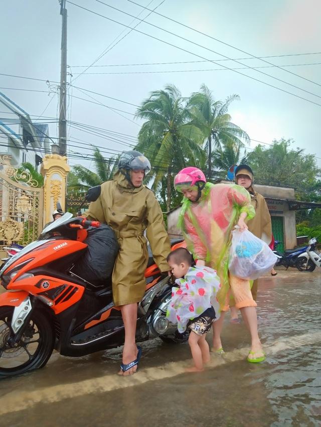 Nhìn lại 10 ngày đảo ngọc Phú Quốc quay cuồng trong trận lũ lụt chưa từng có - 11