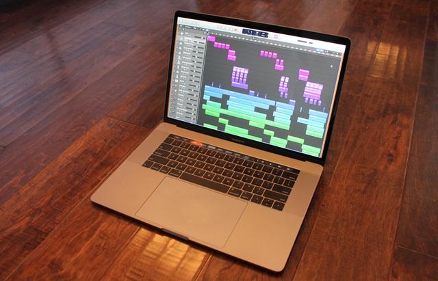 Apple thay pin miễn phí cho Macbook Pro 15 inch để tránh nguy cơ cháy nổ - 1