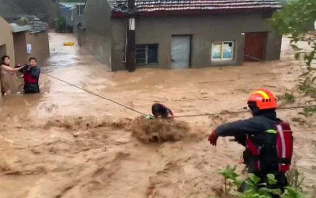 Siêu bão Lekima đổ bộ Trung Quốc: 44 người chết, 16 người mất tích - 4