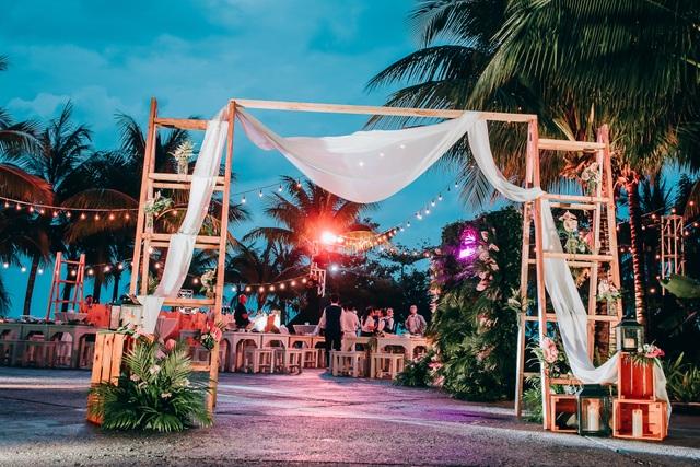Choáng ngợp đám cưới xa hoa của cặp doanh nhân Ấn Độ tại Phú Quốc - 3