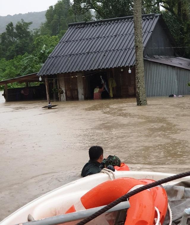 Nhìn lại 10 ngày đảo ngọc Phú Quốc quay cuồng trong trận lũ lụt chưa từng có - 14