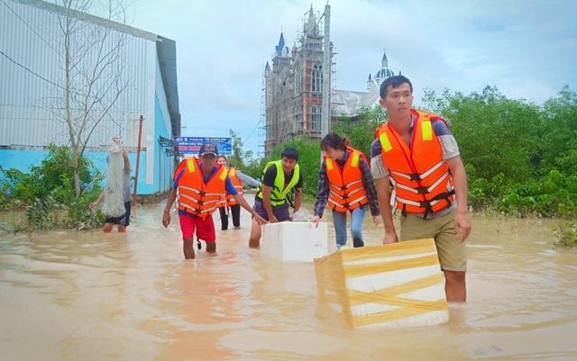 Nhìn lại 10 ngày đảo ngọc Phú Quốc quay cuồng trong trận lũ lụt chưa từng có - 18