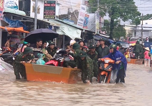 Nhìn lại 10 ngày đảo ngọc Phú Quốc quay cuồng trong trận lũ lụt chưa từng có - 12