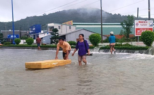Vì sao Phú Quốc hứng chịu mưa lũ khốc liệt nhất trong vòng 41 năm qua? - 1