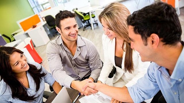 Vì sao giao tiếp hiệu quả nơi công sở là quan trọng? - 2