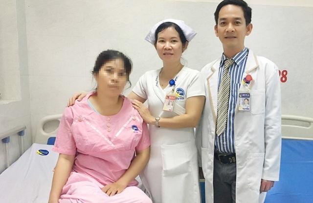 Mổ ruột thừa phát hiện thai ngoài tử cung sắp vỡ - 1