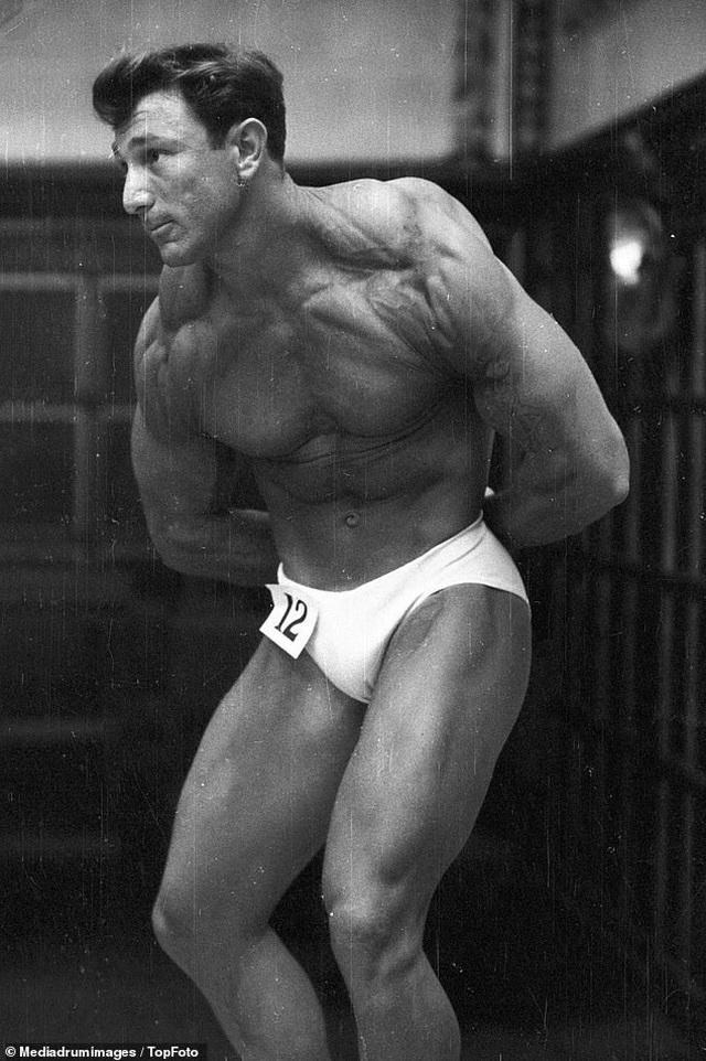 """""""Điệp viên 007"""" Sean Connery từng đi thi Mr Universe khoe cơ bắp lực lưỡng - 4"""