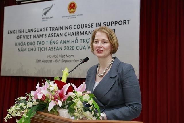 Khai giảng khóa nâng cao tiếng Anh phục vụ ASEAN 2020 do New Zealand tài trợ - 3