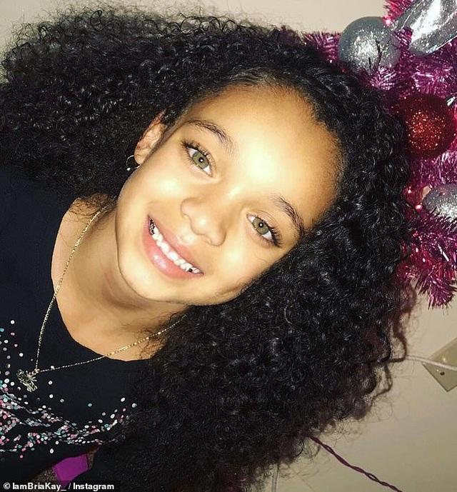 Nhờ một đăng tải của Rihanna, bé gái 7 tuổi ngay lập tức trở thành người mẫu nhí được săn đón - 4