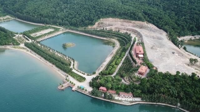 Công trình trái phép trên vịnh Bái Tử Long: Càng phạt càng... xây mạnh! - 3