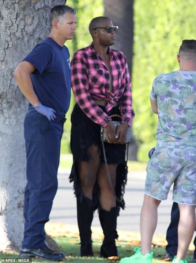 Ngôi sao đồng tính EJ Johnson lo lắng khi gặp tai nạn xe hơi - 4