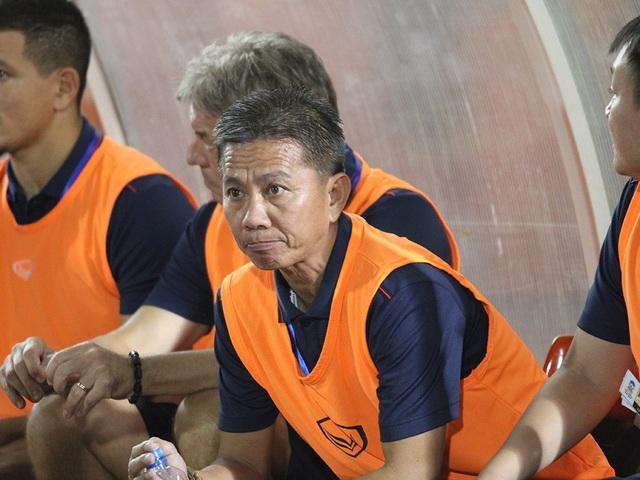 HLV Hoàng Anh Tuấn thất vọng sau trận hòa U18 Thái Lan - 1