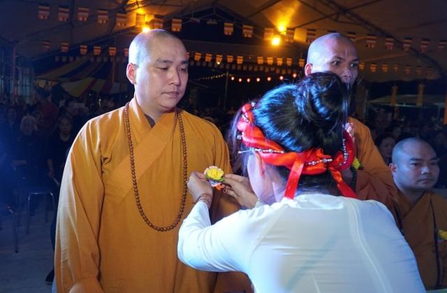 Hình ảnh xúc động trong lễ Vu Lan báo hiếu ở chùa Kim Sơn Lạc Hồng - 4