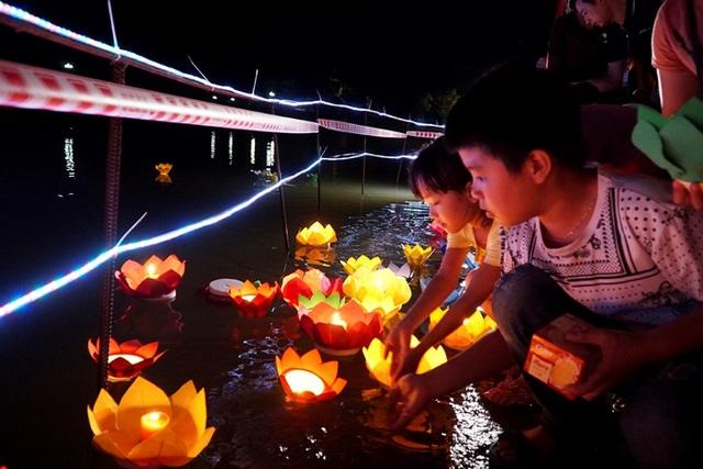 Hình ảnh xúc động trong lễ Vu Lan báo hiếu ở chùa Kim Sơn Lạc Hồng - 10