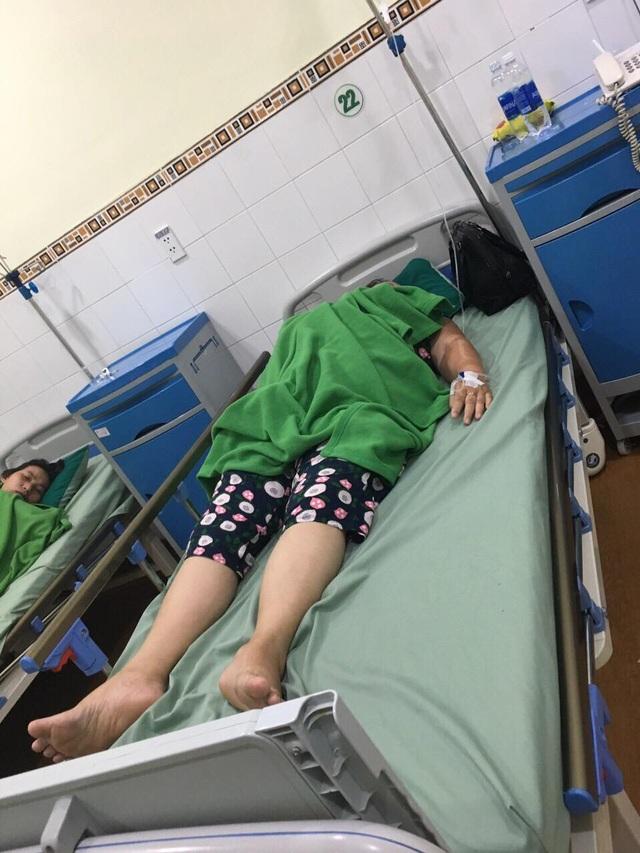 Đà Nẵng: Nhóm du khách nhập viện nghi do bữa ăn tại nhà hàng đặc sản - 1