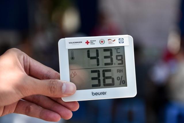 Hà Nội: Dùng xe buýt làm điểm trú nóng cho người lao động - 3