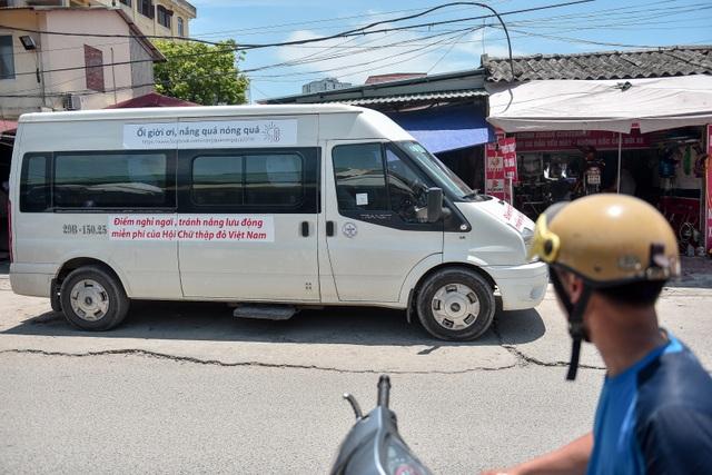 Hà Nội: Dùng xe buýt làm điểm trú nóng cho người lao động - 13