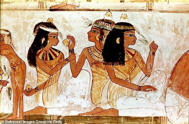 Tìm ra hương nước hoa của nữ hoàng Ai Cập Cleopatra - 2