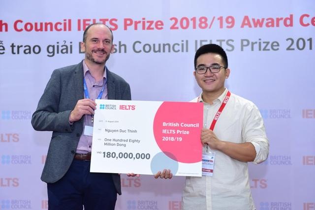 Ba thí sinh Việt Nam xuất sắc nhận Học bổng IELTS Prize - 2