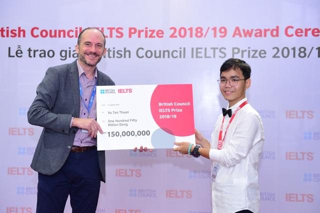 Ba thí sinh Việt Nam xuất sắc nhận Học bổng IELTS Prize - 3
