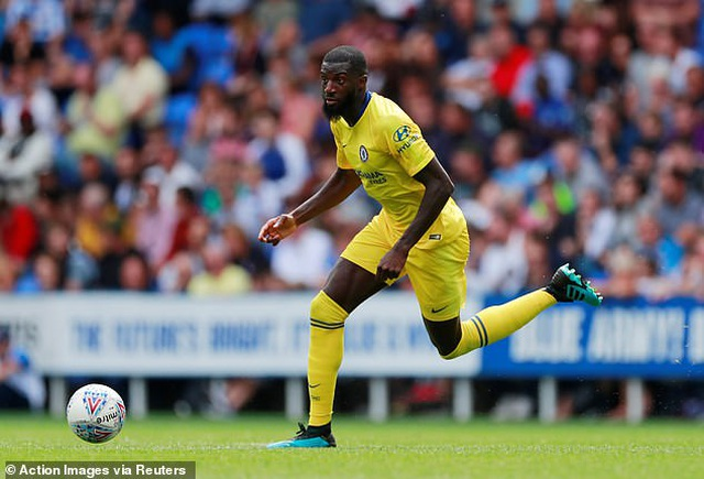 Nhật ký chuyển nhượng ngày 14/8: Alexis Sanchez vẫn phải chịu kiếp dự bị ở Man Utd - 2